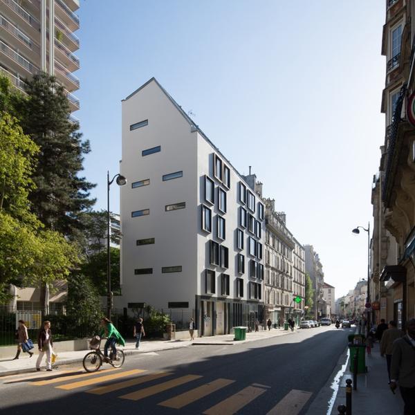 Construction neuve d'un immeuble de 17 logements sociaux et d'un commerce