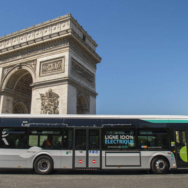 Paris s'engage pour une ville propre en émissions de CO2 et en pollution sonore