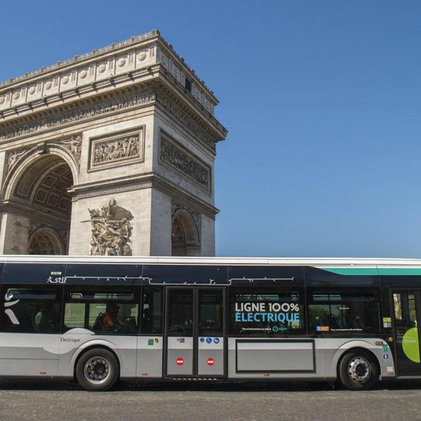 Paris s'engage pour une ville propre en émissions de CO2 et en pollution sonore