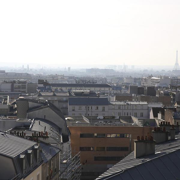 Paris recouvert d'un épais nuage de pollution