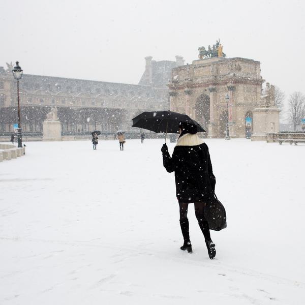Neige Paris le Louvre 2019
