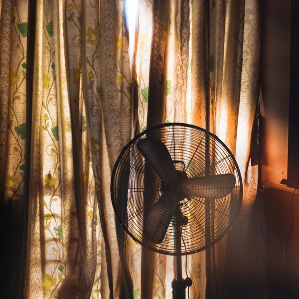 Un ventilateur dans un logement
