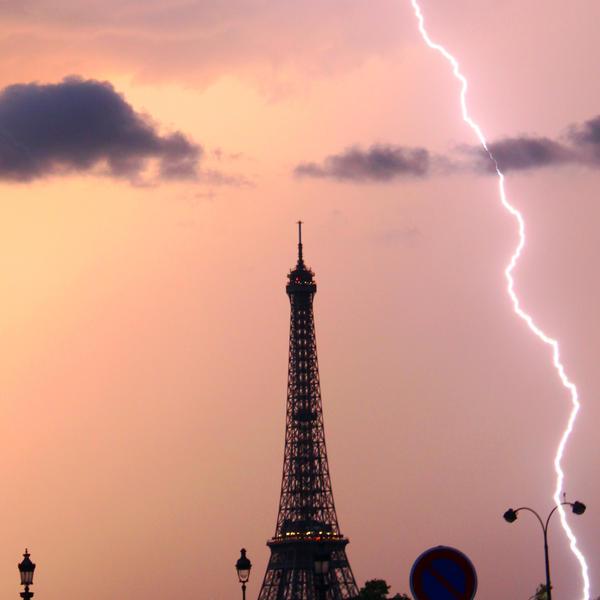 Tour Eiffel Orage Paris