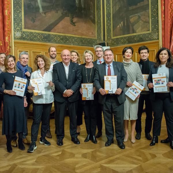 Les signataires de la 7e cérémonie de signature de la charte Paris Action Climat - crédits Ville de Paris