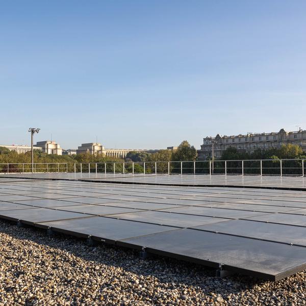 Vue du toit du gymnase Emile Anthoine, Paris 15 - ©Guillaume Bontemps Ville de Paris