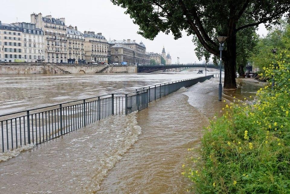 Pont de l'Alma inondations